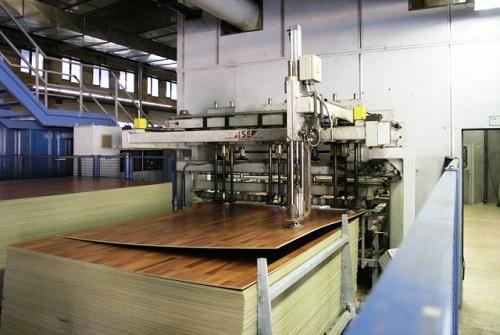 quy trình sản xuất sàn gỗ công nghiệp